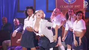 Kate Upton - Lip Sync Battle