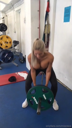 Normal day in the gym - MissReca