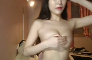 Hot and Sexy Korean Webcam Babe