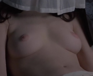Lara Flynn Boyle in 'The Road to Wellville'