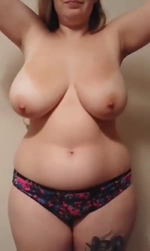 Made my first gif, please enjoy the boob drop!