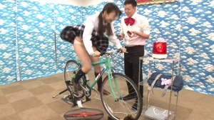 Panty Flash! Amateurs Only! Electric Bicycle Game