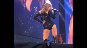 Imagine Taylor Swift grinding on you like this