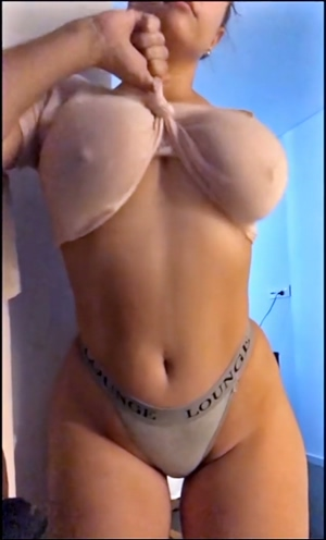 Jem Wolfie shaking her big, fat, natural 32G tits