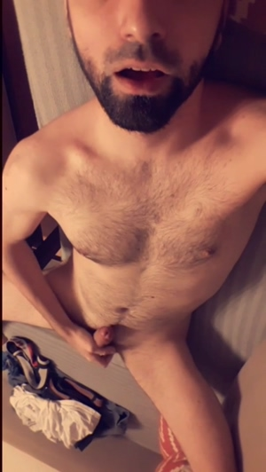 If only there was a woman ready to mount my cock and face this evening ;)