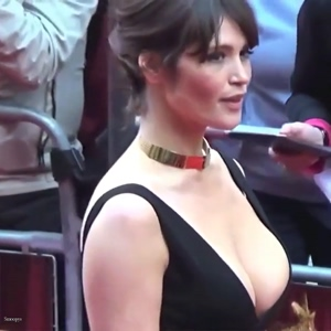 I want to titfuck Gemma Arterton's huge tits