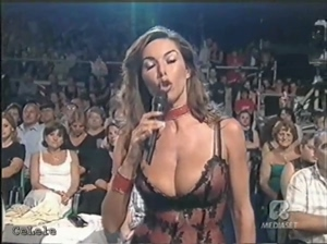 huge tits crazy vintage cleavage busty GIF