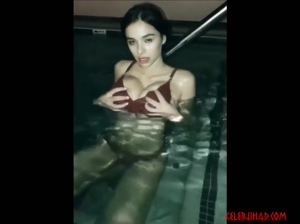 Sophie Mudd squeezing her massive tits