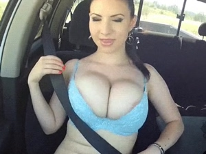Move the huge tits