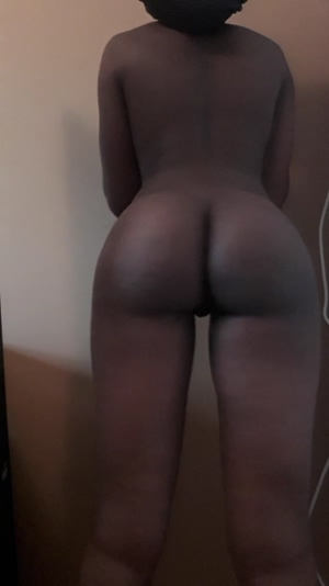 Who likes dark pussies?
