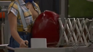 Big Brother 19 - Raven Walton Cleavage