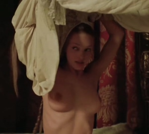 Uma Thurman's 18 year old tits