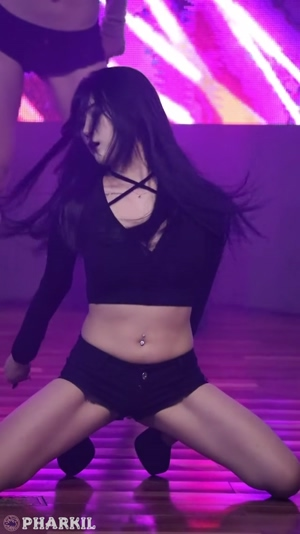 Girl Crush Bomi's pussy, boob and ass