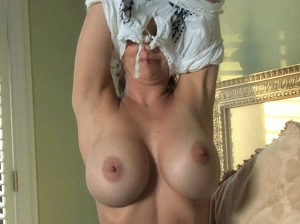 Emesha Gabor boobs bounce