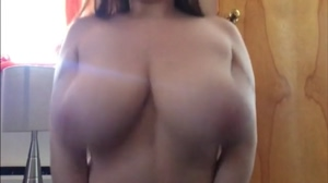 Chubby Teen Bounce her Boobs
