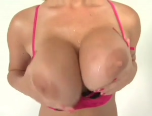 Velicity Von bouncing her amazing tits