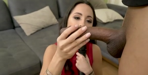 Vietnamese Girl Reporting on a New Big Dick