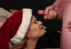 HUGE load for festive babe
