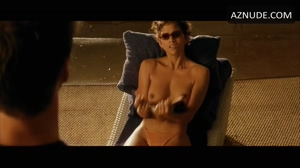 Halle Berry has very nice tits