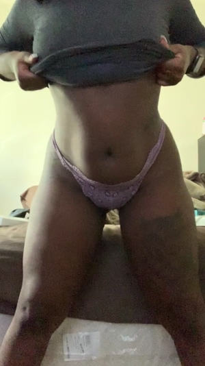 Available all night for sexting session. : lovelyy.aprill