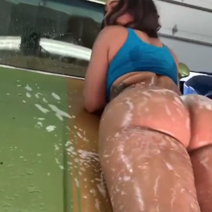 Suds & Booty