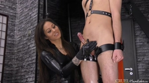 Mistress Cleo - Huge squirting cum fountain