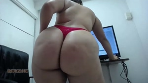 bbw with big round ass dancing for you