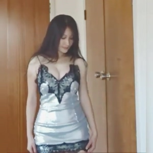 Tight shiny silver dress - @hunga_busta