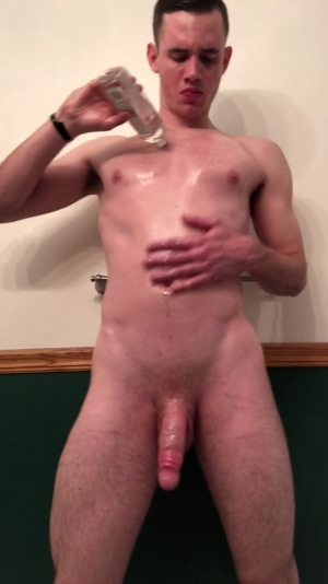 Shaking my oiled booty