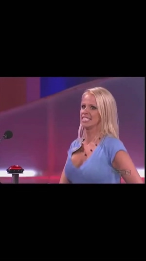Big bouncing boobs on Family Feud