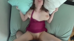 Looking at that tit bouncing makes me want to grab it