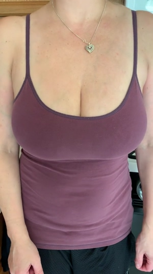 It's Saturday...do I really HAVE TO wear a bra?!