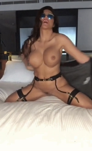 Luxury tits