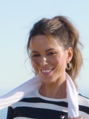 Kate Beckinsale turning her charm on
