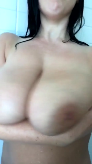 Angela Bouncing Boobs In Shower!