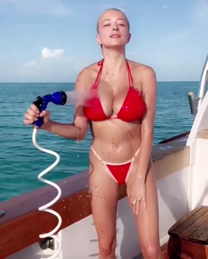 Caroline Vreeland Shaking Her Enormous Tits