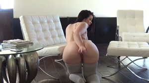 Big Bootied Woman Getting Herself Off
