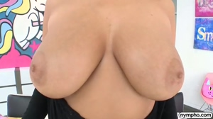 Big natural tits reveal + bounce