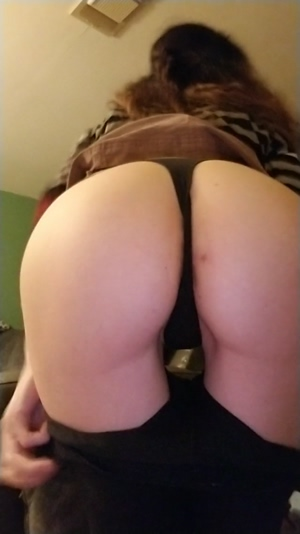 Peek under my outfit? F/37