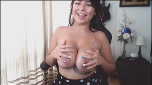 Isabelhills - Brunette with Big Natural Boobs Bouncing