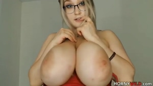 Huge Tits You Want To Play With She's So Pretty