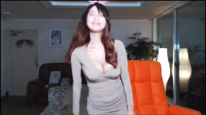 PPL's Sola teasing with her huge tits on live cam!