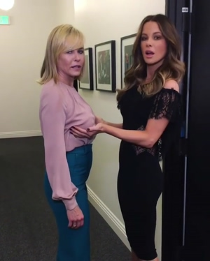 Kate Beckinsale playing with Chelsea Handler's tits