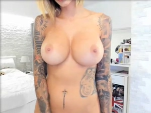 Her big boobs are so hot