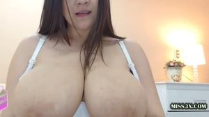 pretty mommy huge tits