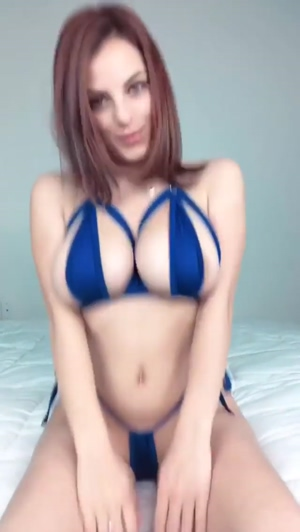 Bouncing Boobs With Amazing Bra