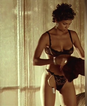 Pleeeease tell me I'm not the only one who strokes to Halle Berry religiously
