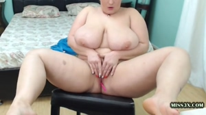 busty chubby play her pussy