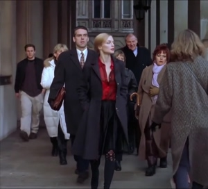 Heather Graham walking and bouncing