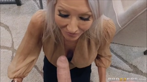 Older Woman Emma Starr gives mall cop a nice blowjob